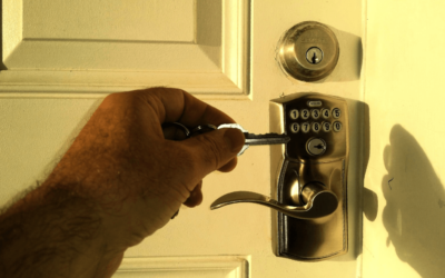 Broken Door? | Fix It Yourself Or Call a Locksmiths In Ocala